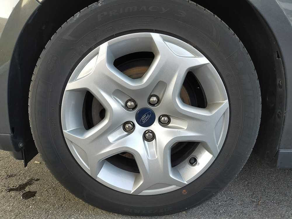 Ford C-Max 1.5 TDCi 95CV Start&Stop Plus a 12.000€ - immagine 15