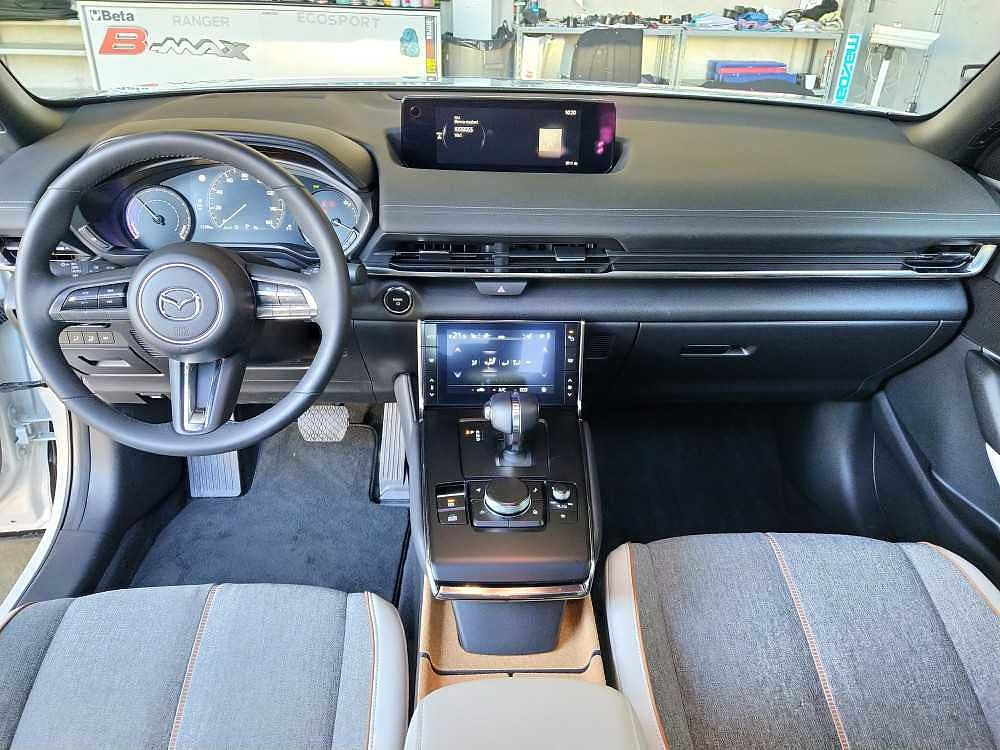 Mazda MX-30 Exclusive a 26.900€ - immagine 6