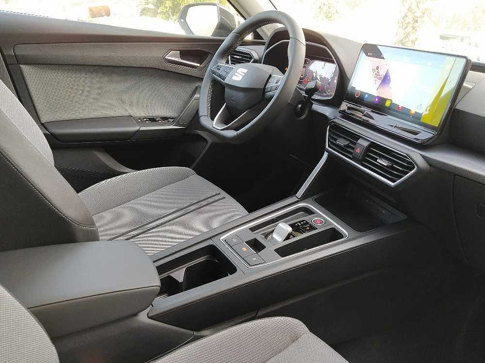 Seat Leon Sportstourer 2.0 TDI 150 CV DSG Business a 26.000€ - immagine 24