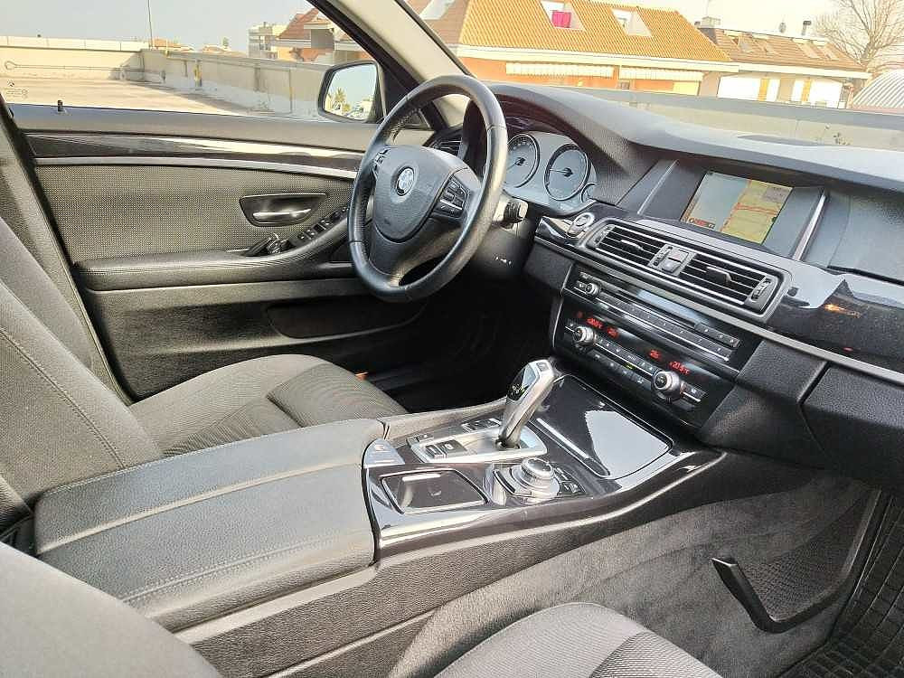 BMW Serie 5 Touring 520d Touring Business aut. a 14.800€ - immagine 25