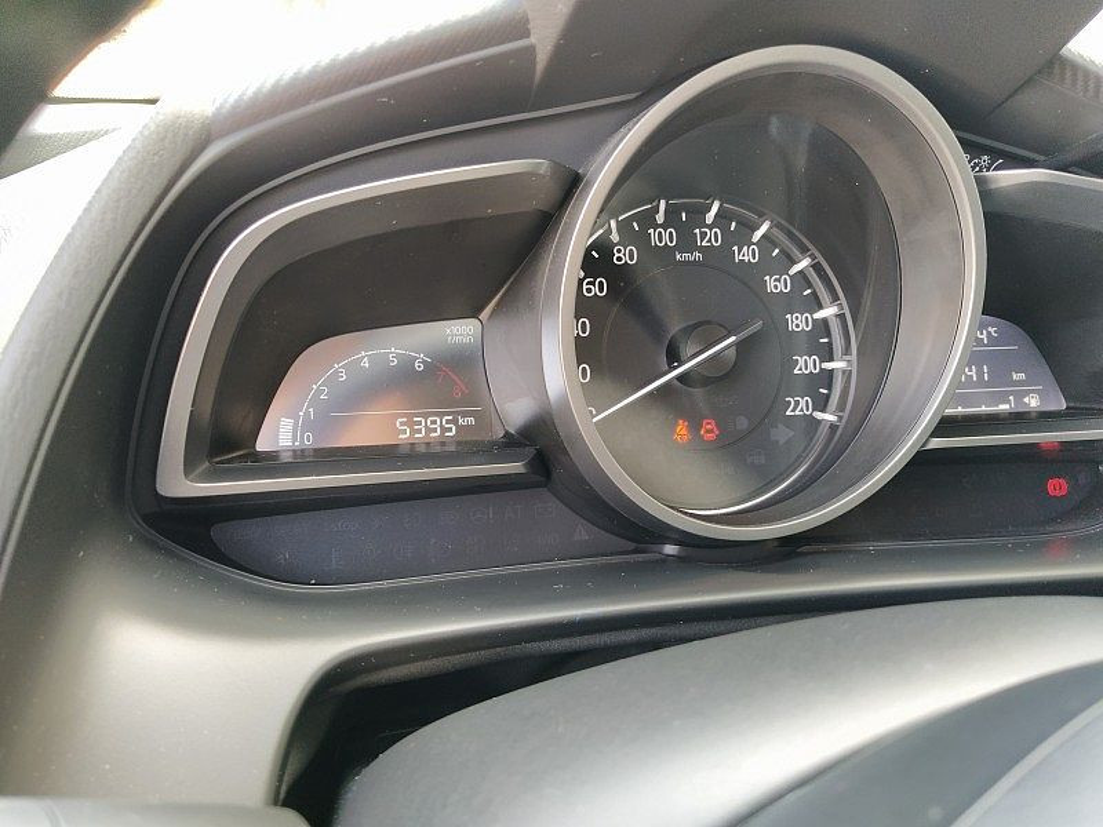 Mazda Mazda2 1.5 90 CV Skyactiv-G Evolve a 12.500€ - immagine 18