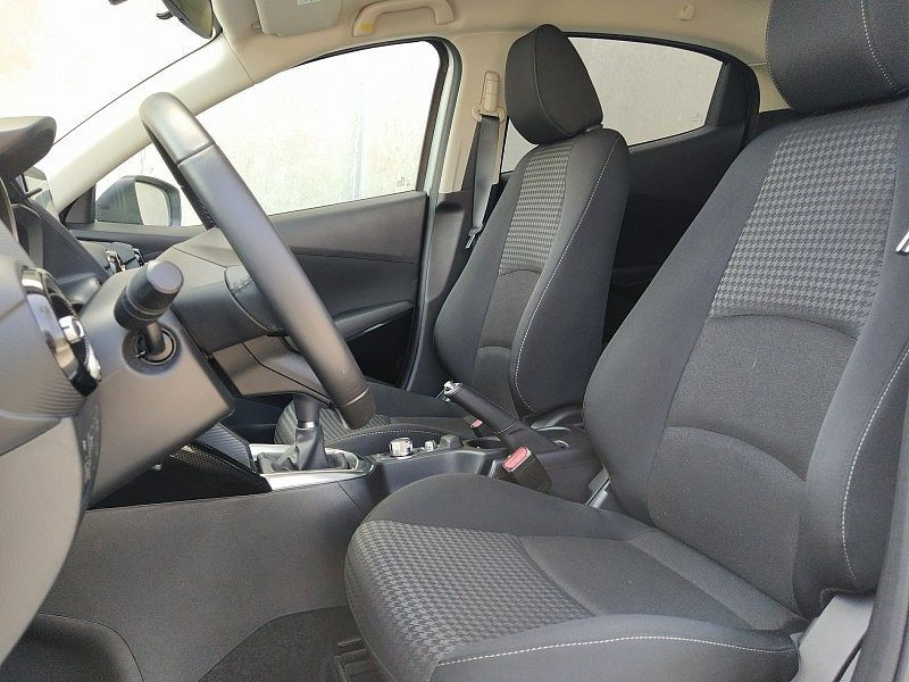 Mazda Mazda2 1.5 90 CV Skyactiv-G Evolve a 12.500€ - immagine 8
