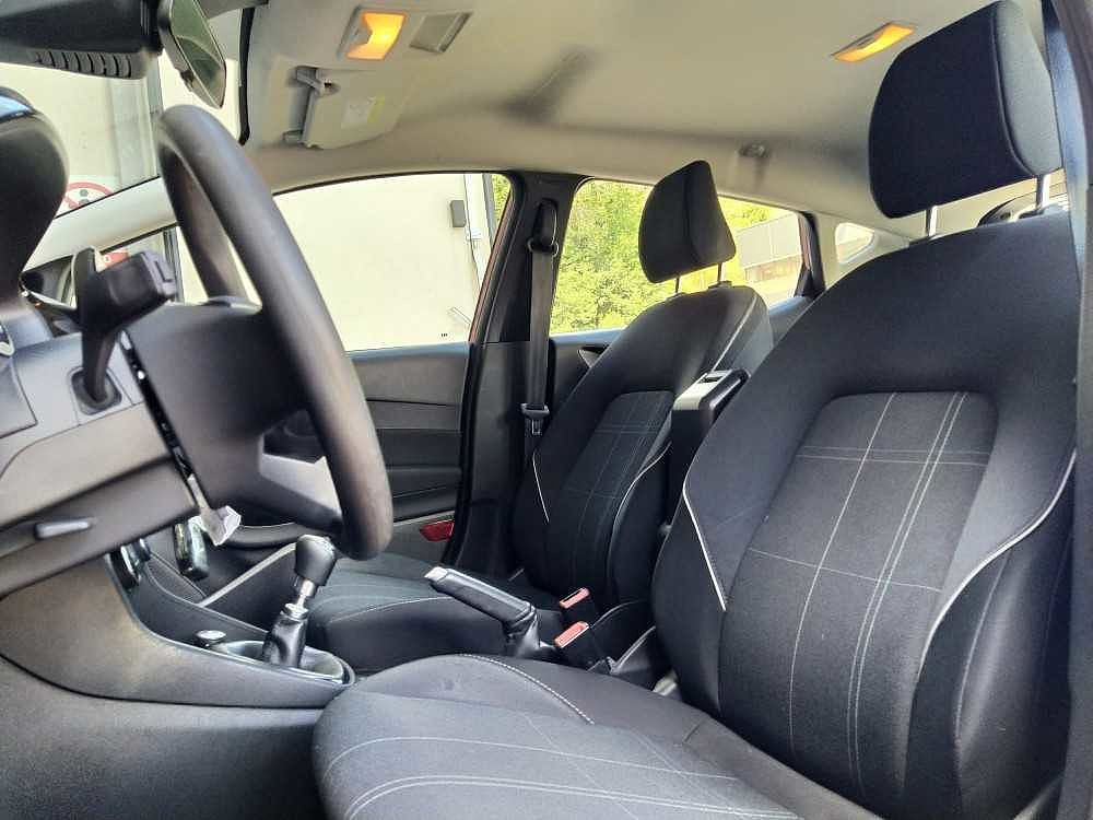 Ford Fiesta 1.5 TDCi 5 porte Plus a 11.800€ - immagine 18