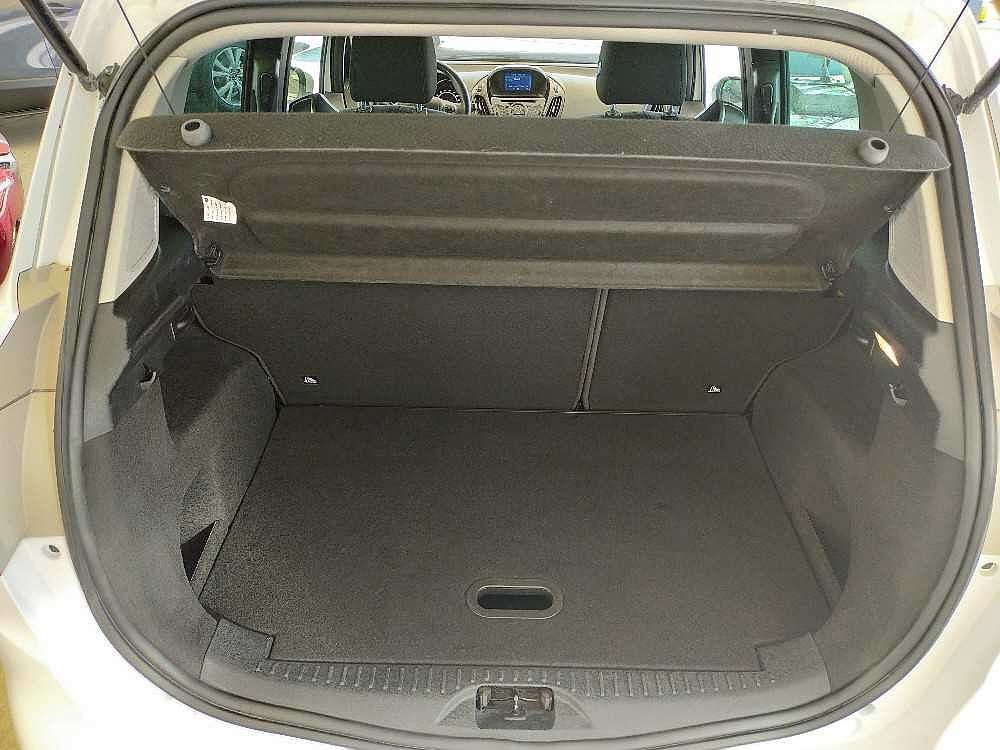 Ford B-Max 1.5 TDCi 75 CV Titanium a 11.000€ - immagine 15