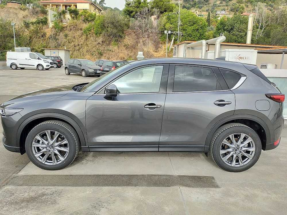 Mazda CX-5 2.2L Skyactiv-D 150CV 2WD Exceed a 33.800€ - immagine 3