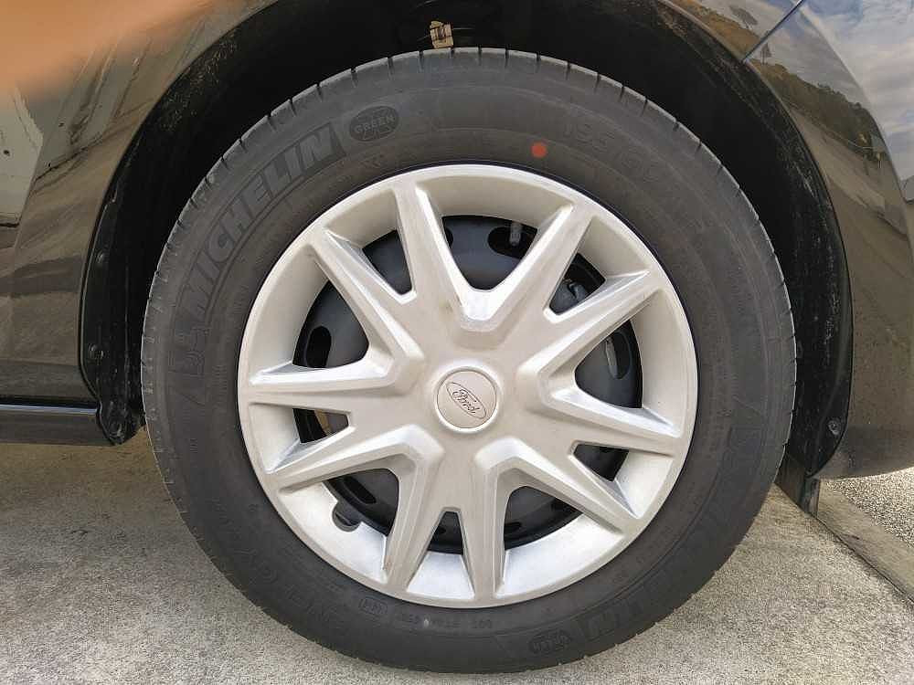 Ford Fiesta 1.1 85 CV 3 porte Van Business a 10.900€ - immagine 14