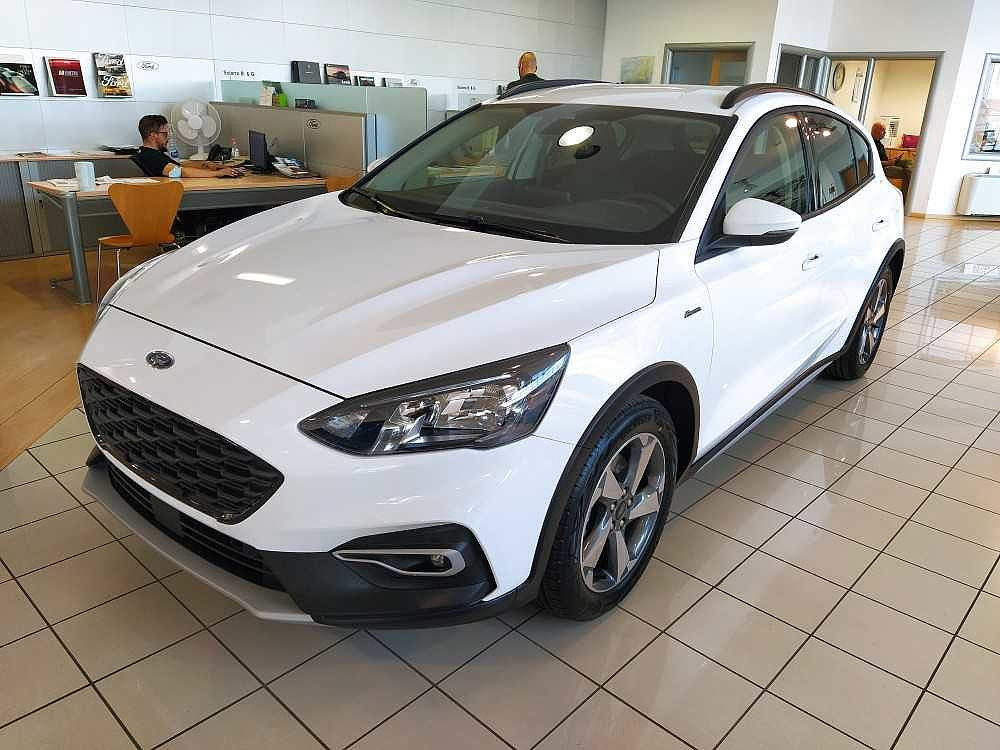 Ford Focus 1.0 EcoBoost 125 CV 5p. Active a 18.900€ - immagine 11