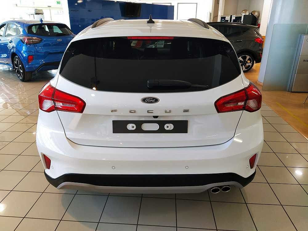 Ford Focus 1.0 EcoBoost 125 CV 5p. Active a 18.900€ - immagine 13