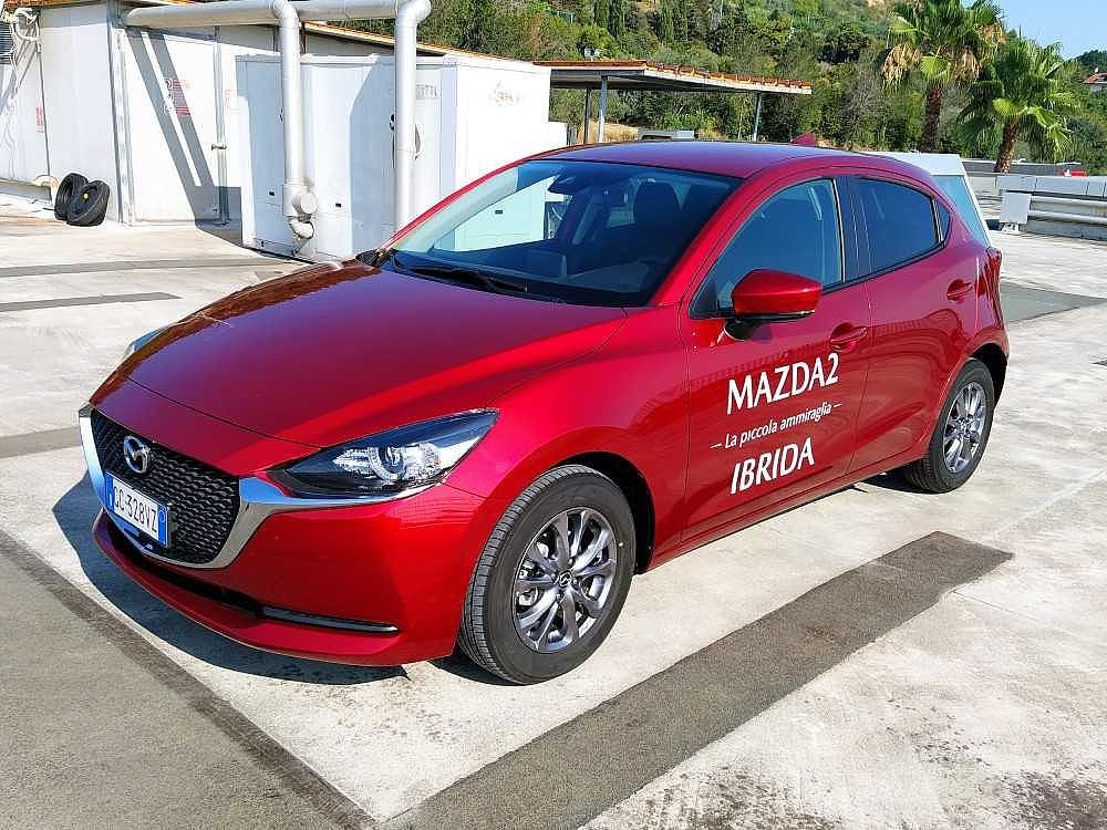 Mazda Mazda2 1.5 Skyactiv-G M-Hybrid Evolve a 15.000€ - immagine 11
