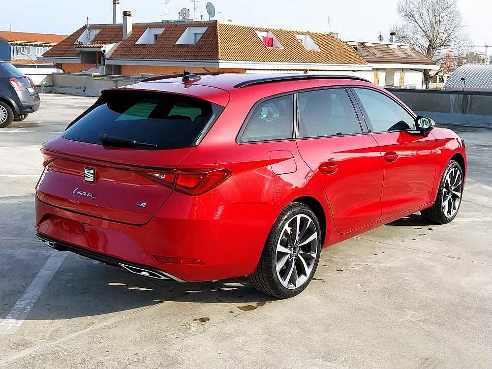 Seat Leon Sportstourer Sportstourer 1.5 eTSI 150 CV DSG FR a 29.000€ - immagine 2