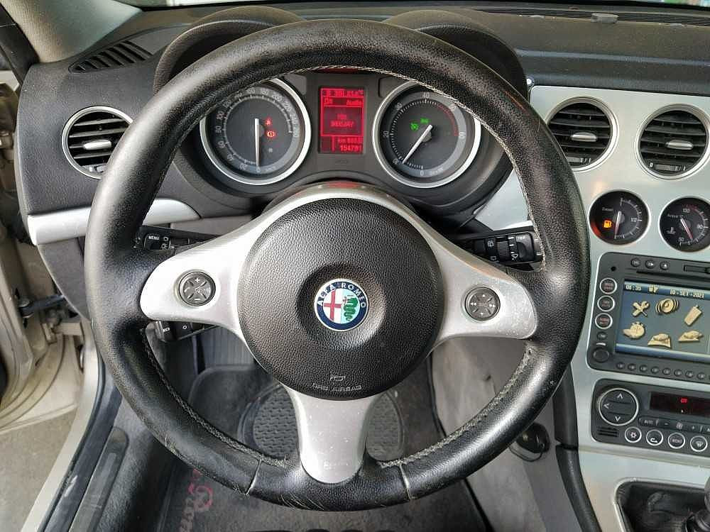 Alfa Romeo Brera 2.4 JTDm 20V Sky Window a 5.500€ - immagine 14