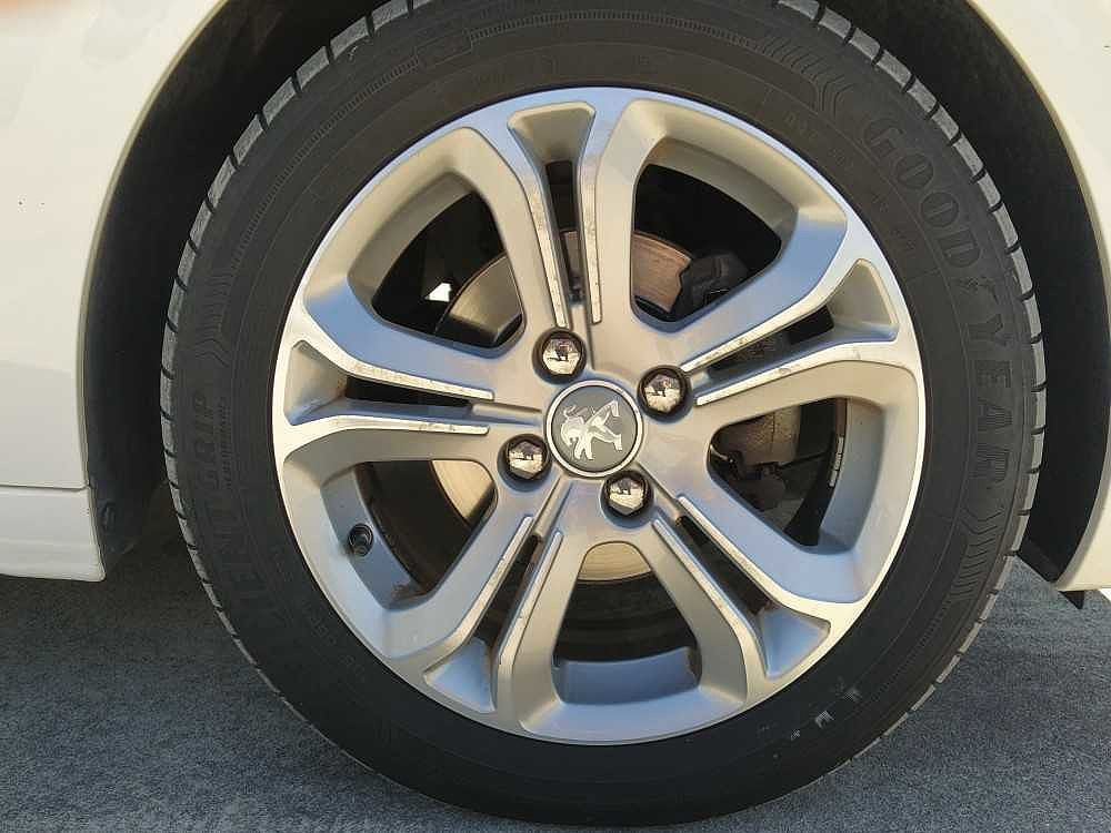 Peugeot 208 1.6 e-HDi 92 CV Stop&Start 5 porte Allure a 8.000€ - immagine 13
