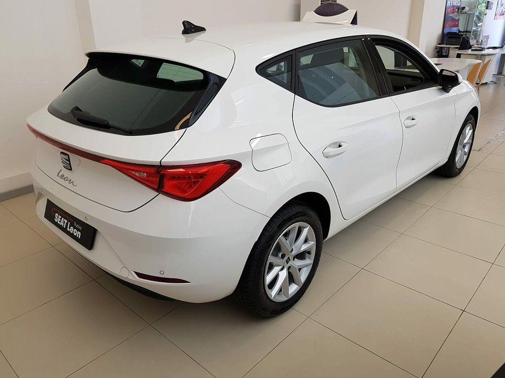 Seat Leon 1.0 TSI Style a 19.000€ - immagine 2