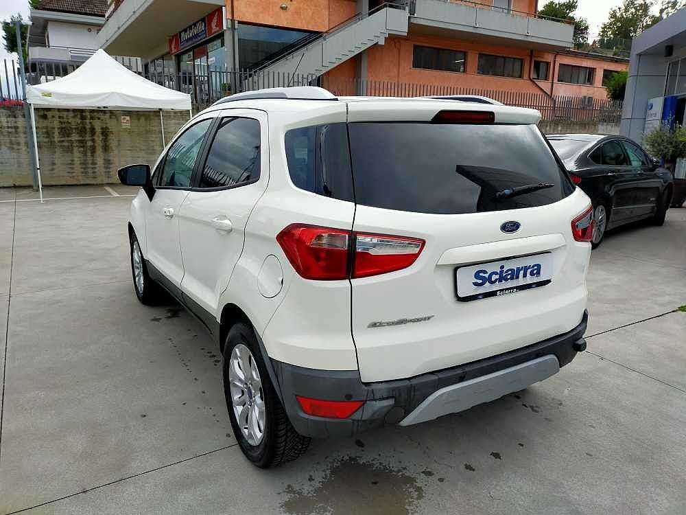 Ford Ecosport 1.5 TDCi 95 CV Titanium a 13.800€ - immagine 10