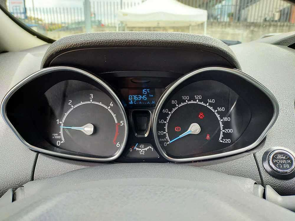 Ford Ecosport 1.5 TDCi 95 CV Titanium a 13.800€ - immagine 17