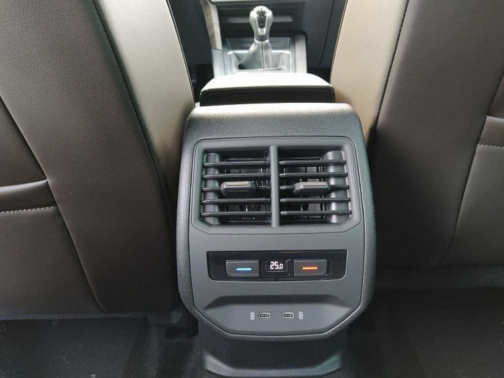 Seat Leon 1.5 TSI 150 CV Xcellence a 24.500€ - immagine 23