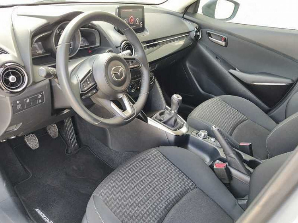 Mazda Mazda2 1.5 90 CV Skyactiv-G Evolve a 12.500€ - immagine 5