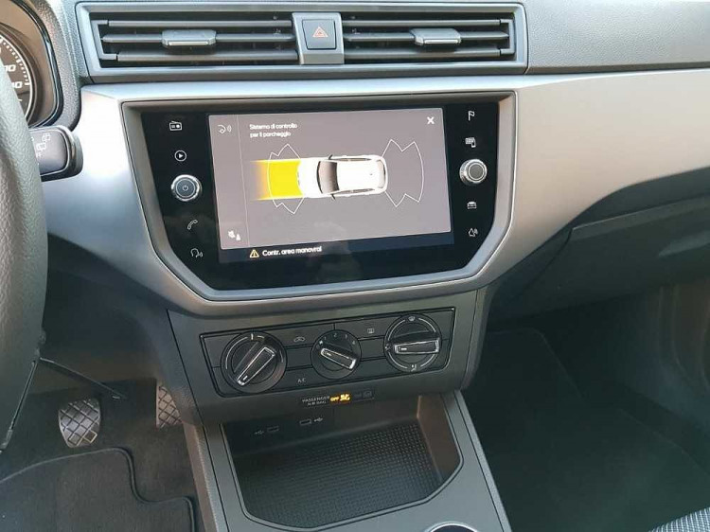 Seat Ibiza 1.0 TGI 5 porte Business a 16.500€ - immagine 18