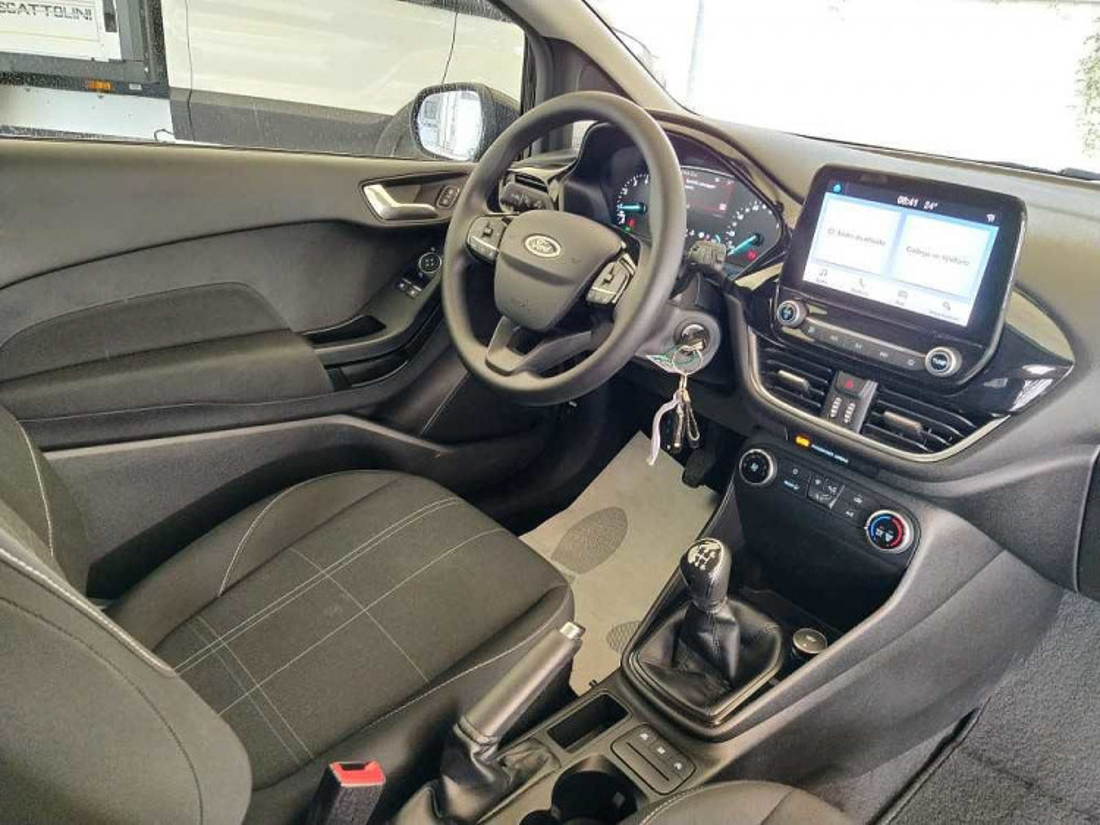 Ford Fiesta 1.1 85 CV 3 porte Van Business a 10.900€ - immagine 19