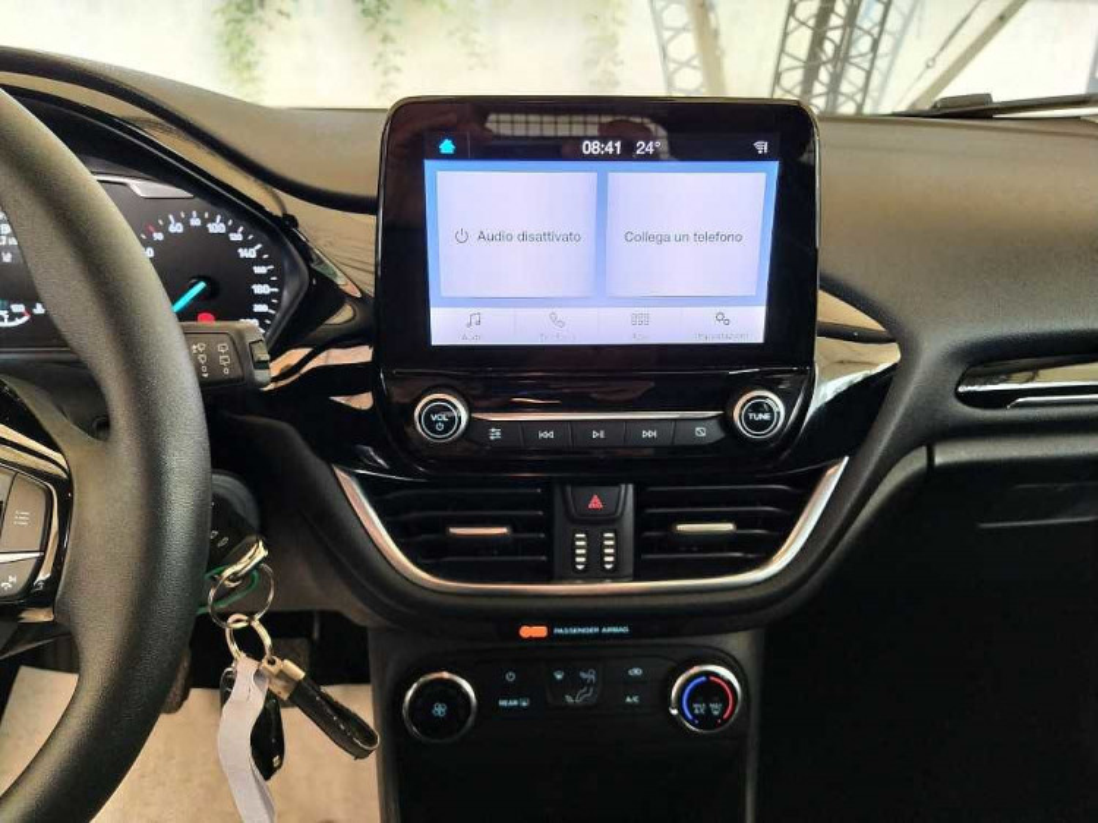Ford Fiesta 1.1 85 CV 3 porte Van Business a 10.900€ - immagine 6