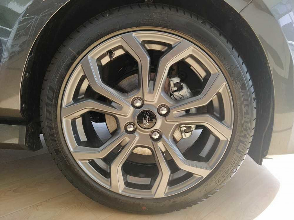 Ford Fiesta 1.0 Ecoboost 95 CV 5 porte ST-Line a 17.000€ - immagine 14