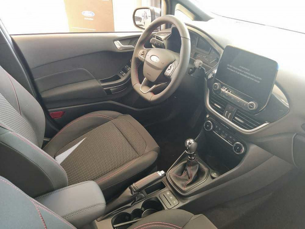 Ford Fiesta 1.0 Ecoboost 95 CV 5 porte ST-Line a 17.000€ - immagine 19