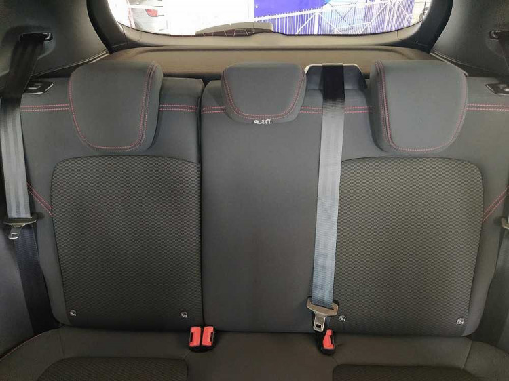 Ford Fiesta 1.0 Ecoboost 95 CV 5 porte ST-Line a 17.000€ - immagine 8