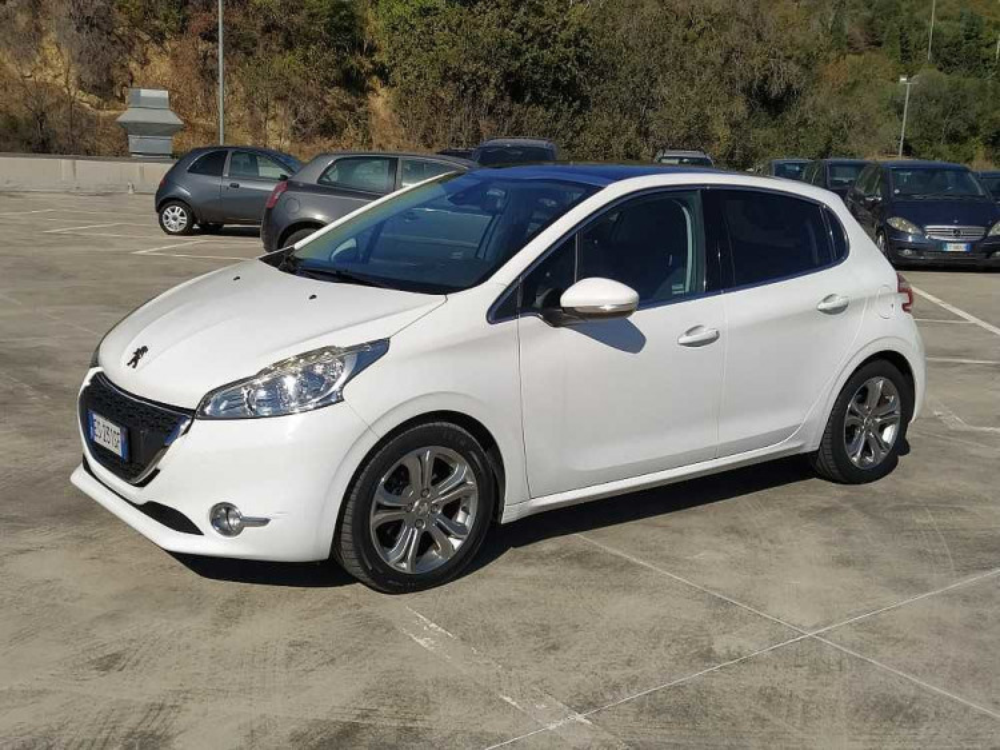 Peugeot 208 1.6 e-HDi 92 CV Stop&Start 5 porte Allure a 8.000€ - immagine 10