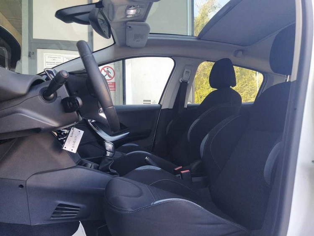 Peugeot 208 1.6 e-HDi 92 CV Stop&Start 5 porte Allure a 8.000€ - immagine 8