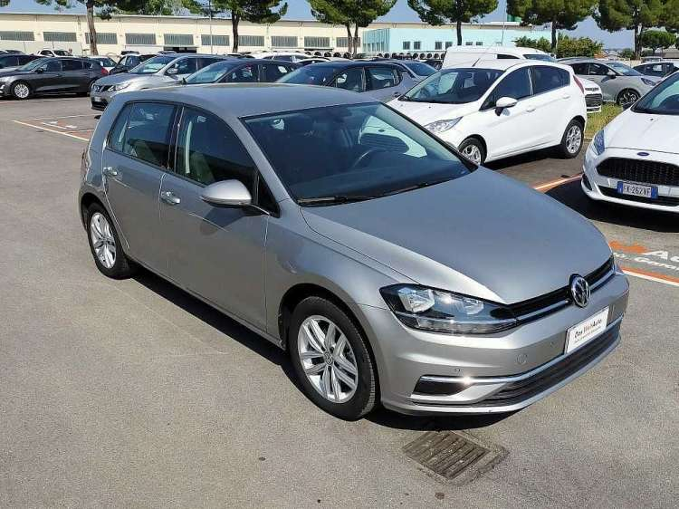 Volkswagen Golf 1.6 TDI 115 CV 5p. Business BlueMotion Technology a 18.000€ - thumb immagine 1