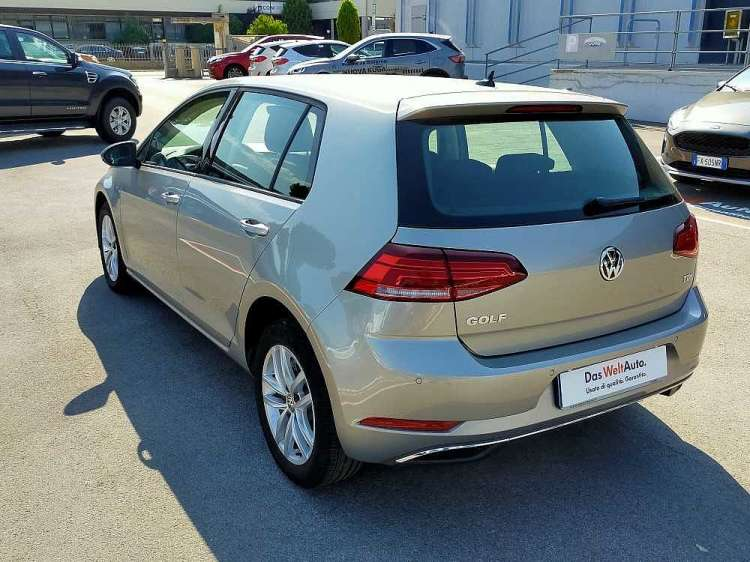 Volkswagen Golf 1.6 TDI 115 CV 5p. Business BlueMotion Technology a 18.000€ - thumb immagine 10